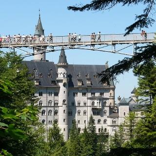 Die Marienbrücke über die Pöllatschlucht bei Schloss Neuschwanstein.