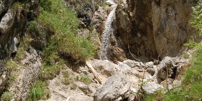 Der Wasserfall am Kesselgraben.