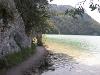 Außergewöhnliche Ausblicke bietet der Weg am Südufer des Weißensees. - © Quelle: Outdooractive Redaktion