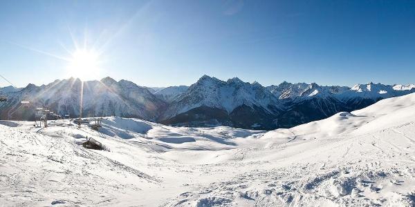 Bergpanorama im Skigebiet Motta Naluns