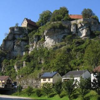 Die Südansicht der Burg Pottenstein.