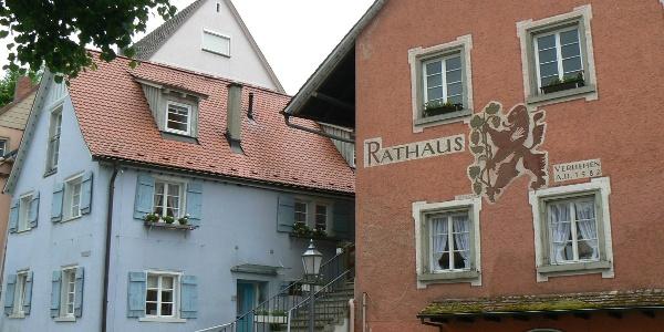 Sipplinger Rathaus mit Nebengebäude.