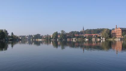 Der Blick reicht weit über den Malchower See.