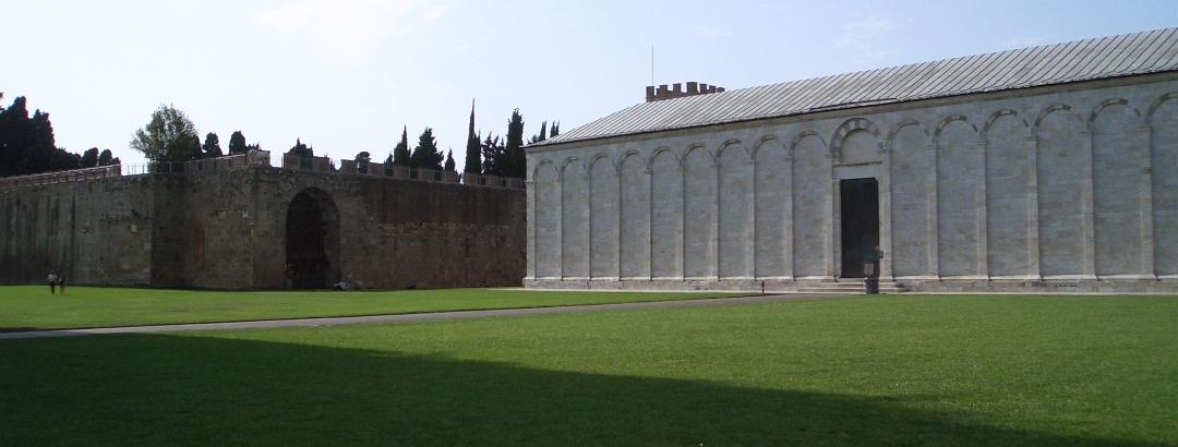 Der Camposanto mit dem alten jüdischen Friedhof im Hintergrund