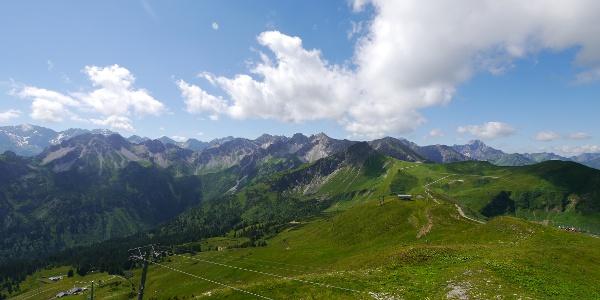 Vom Fellhorn durch das Skigebiet in Richtung Kanzelwand