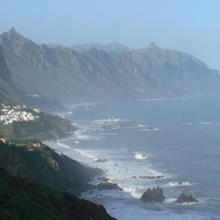 Die Nordküste mit dem Ort Almáciga