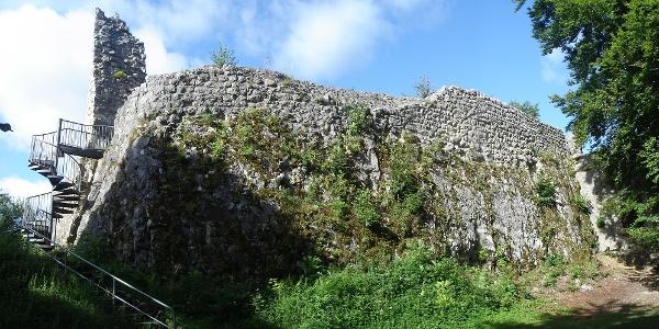 Oberfalkenstein ist eine der besterhaltenen Ruinen im Oberen Donautal