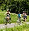 Familie auf dem Radweg  - @ Autor: Simone Lindner  - © Quelle: Hohenlohe + Schwäbisch Hall Tourismus e.V.