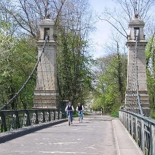 Kabelhängebrücke zwischen Kressbronn und Langenargen.