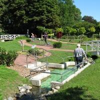 Wassertretbecken im Kurpark Bad Holzhausen
