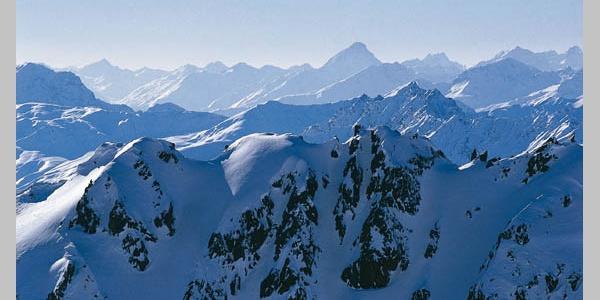 Winterliches Bergpanorama. Foto: Tirol 2004.