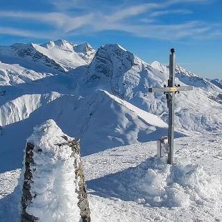 Gipfelkreuz des Spotzhorli