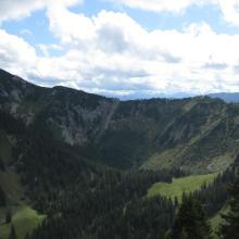 Blick vom Setzberg auf die Tour mit Risserkogel links im Bild