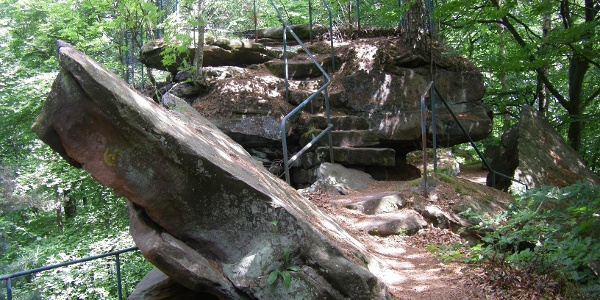 Wandergenuss auf steinigen Pfaden