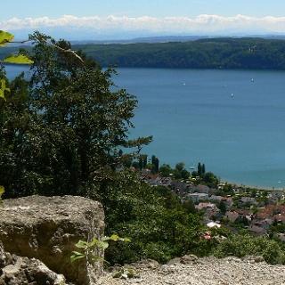 Blick von der Ruine Hohenfels auf den Überlinger See.