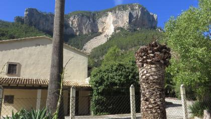 Der Puig de s Alcadena, der umrundet wird