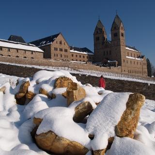 Abtei St. Hildegard im Winter