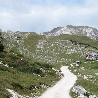 Die Senneshütte vor dem Gipfel Monte Sella di Sennes