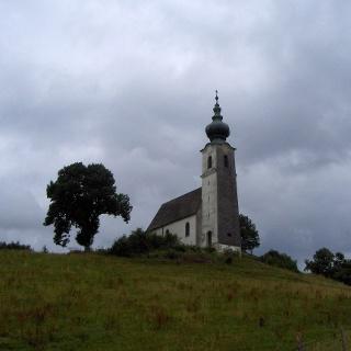 Die Kirche St. Johannes der Täufer.