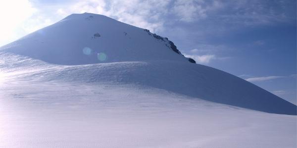 Gipfelhang, wird im Uhrzeigersinn umrundet