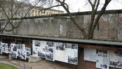 """Das Freiluftdenkmal """"Topographie des Terrors""""."""