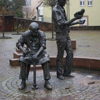 Das Schusterdenkmal in Hauenstein.