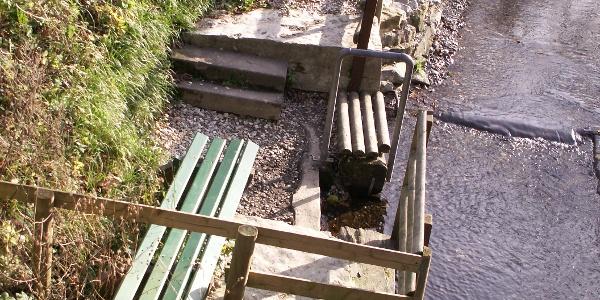 Flusstretbecken Frei- und Hallenbad