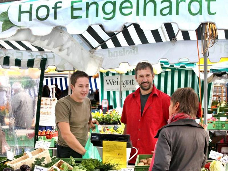 Hof Engelhardt auf dem Wochenmarkt in Schwäbisch Hall.  - @ Autor: Silke Rüdinger  - © Quelle: Hohenlohe + Schwäbisch Hall Tourismus e.V.