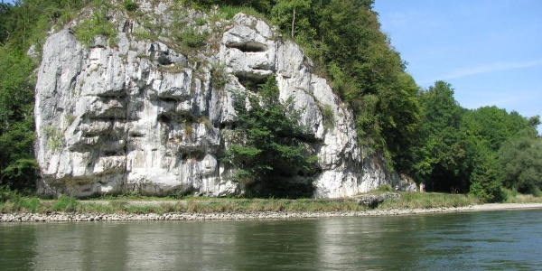 Bienenkorb - Felsformation im Donaudurchbruch in Kelheim im Altmühltal