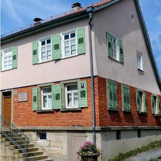 Aktuelle Außenansicht des Wohnhauses von Georg Kropp, das heutige Bauspar-Museum