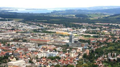 Blick von der Wilhelmswacht der Festung Hohentwiel auf Singen (Hohentwiel)