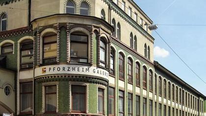 Technisches Museum der Schmuck- und Uhrenindustrie.
