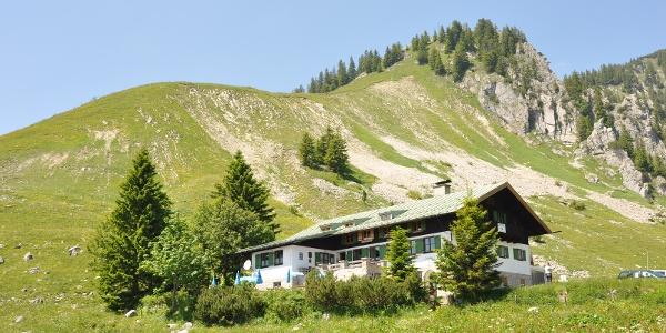 Die Schönfeldhütte der Sektion München auf 1.410 m.
