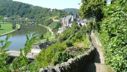 Weg zur Burg Saarburg