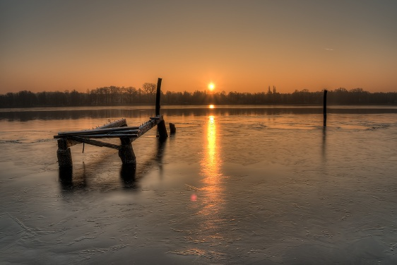 Ruppiner See Sonnenaufgang im Winter