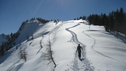 Nordgrat der Spießnägel mit Gipfelkreuz