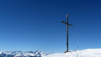 Einfaches Gipfelkreuz für einen grandiosen Gipfel.