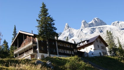 Lindauer Hütte mit den Drei Türmen