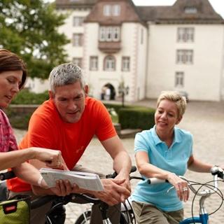 Mit dme Rad am Schloss Fürstenberg