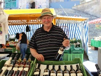 Weingut Keil auf dem Wochenmarkt