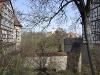 Von der Brücke des Burggrabens sieht man hinüber zur nahen Stöckenburg   - © Quelle: Antje Kunz