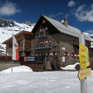 Langtalereckhütte Anfang Mai 2013