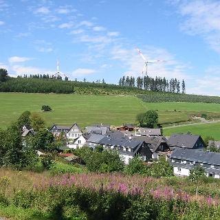 Heinrichsdorf mit Hochsauerlandhaus