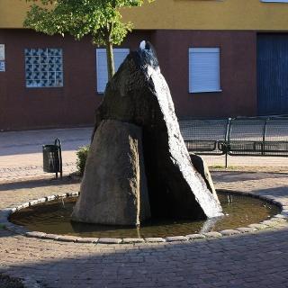 Brunnen am Dorfplatz Esthal