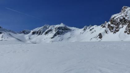Die Murkarspitze mit ihrem steilen Nordosthang in voller Pracht.