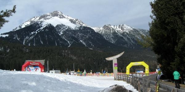 Vom Parkplatz geht es in den Winterpark.