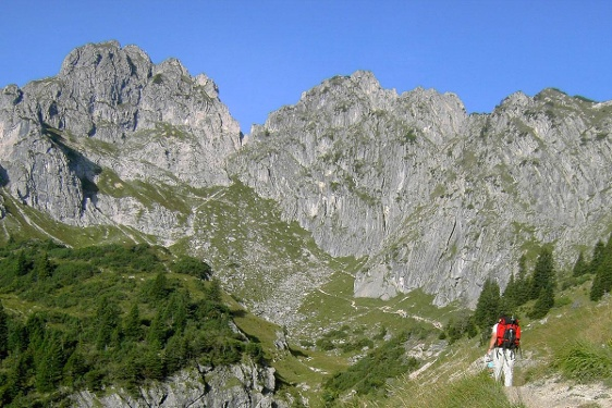 Hut hiking tour - hut week Ammergau Alps (4th stage of 6)