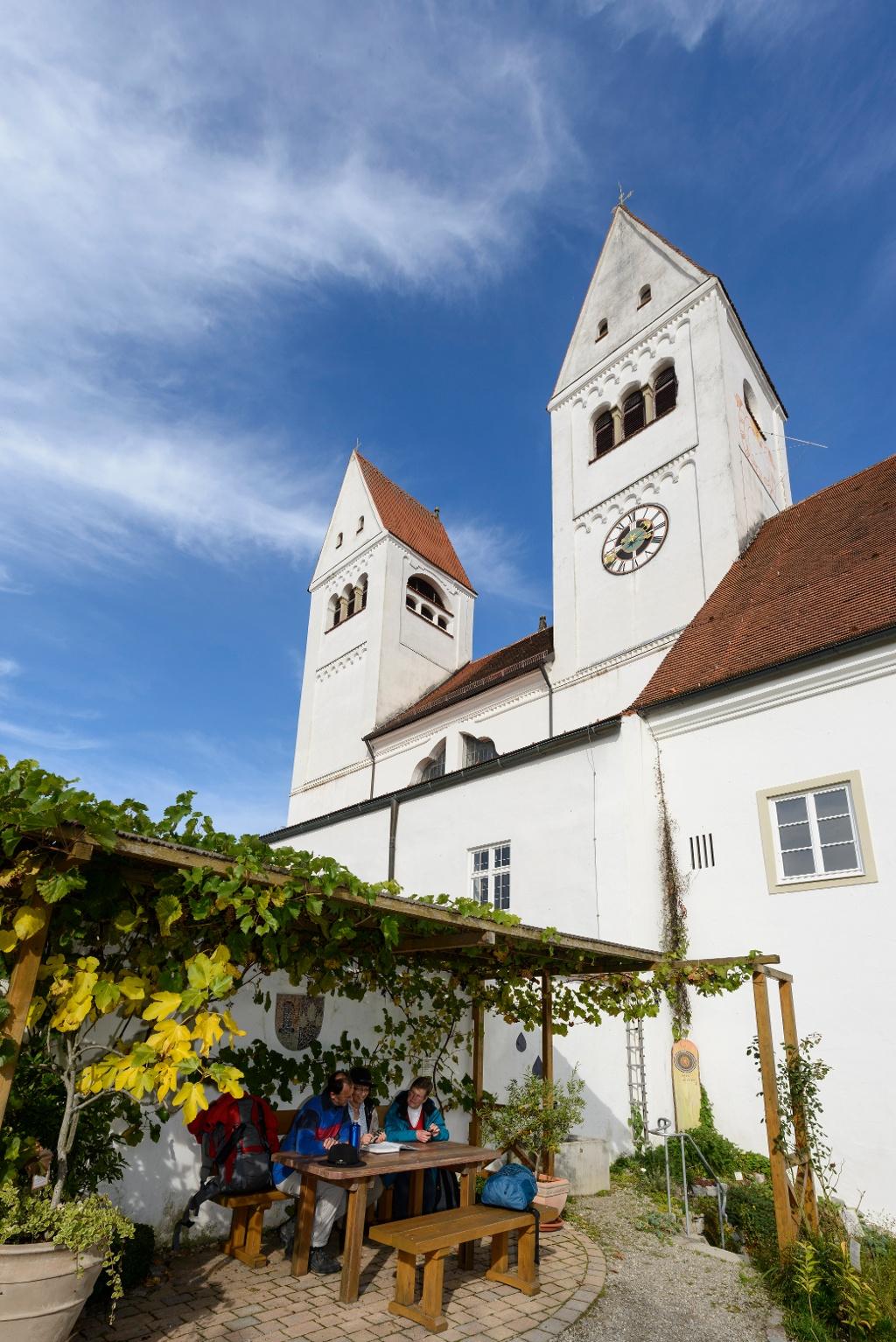 Rast im Klostergarten St. Johannes in Steingaden (Susanne Lengger)