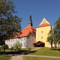 Auf der Tour geht es auch am Lübbener Schloss entlang