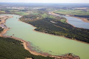 Viele kleine und große Seen liegen auf Ihrem Weg